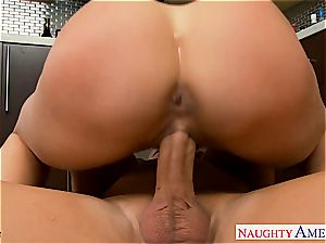 bodacious Brandy enjoy inhales cock and gets tongued