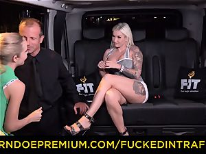 humped IN TRAFFIC - sultry blondes car triangle poking