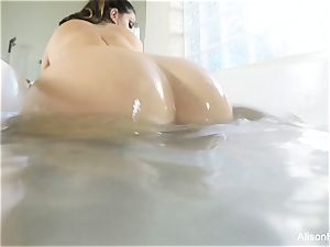 chesty Alison Tyler takes a bathtub