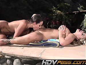 HDVPass Amy and Shyla lick each others fuckboxes