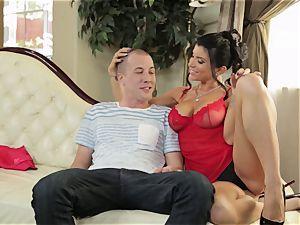 Romi Rain gives her stepson an early Christmas treat