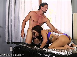 big jugged Keisha Grey knows how to handle 2 peckers at a time