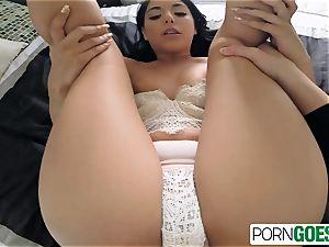 Gina Valentina deep-throats and fucks like mega-slut a meaty pipe