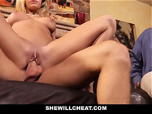 cuckold husband sees Wifes fuckbox Get wrecked