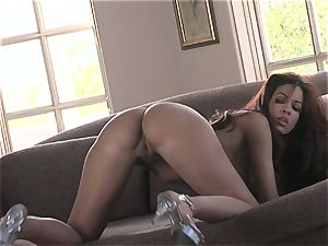 warm stunner Isis Taylor gets raw and nasty on the bed for steaming action