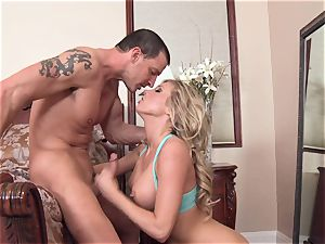 kinky Samantha Saint is luving her man's whip wedged in her jummy throat