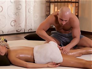 RELAXXXED - Czech Carla Cox rubbed and nailed gently