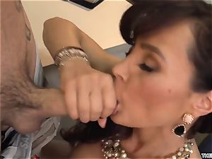 An experienced 50-year-old lecturer Lisa Ann has romp with her youthfull student in class