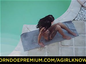 A damsel KNOWS - warm lesbos gobble each other by the pool