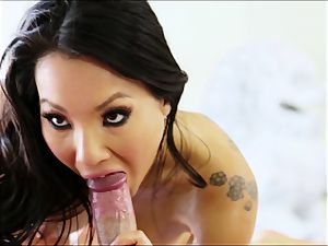 marvelous asian Asa Akira supplies the ideal massage