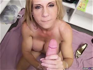 milf Offers Her Helping arm With cum filled sack