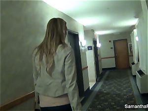 Behind the scenes fun with buxom blondie Samantha Saint