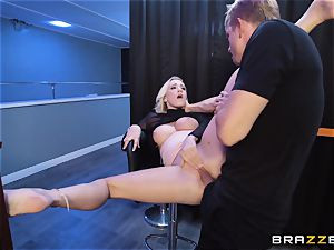 Bailey Brooke gets jiggish with the suspended bouncer