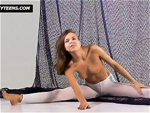 Mega cool gymnast Salaskina