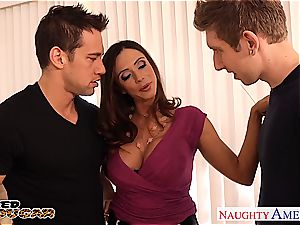 cougar Ariella Ferrera needs 2 hard-ons to plow her decently