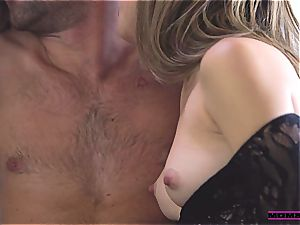 MomsTeachSex Step mommy porks sonnie in super-hot 3some