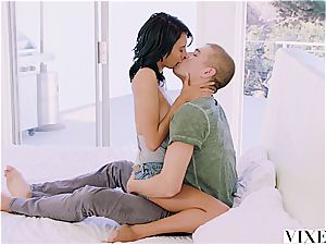 Janice Griffith tempts her timid roomy to boost his confidence