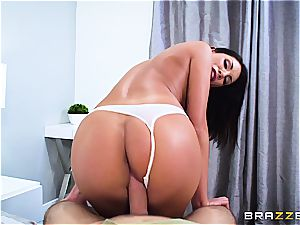 August Ames is obsessed with hump