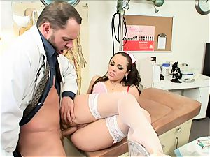 curvy Kristina Rose gets plunged up her dribbling cooter
