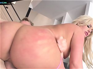 ultra-cute Julie Cash chooses doggie and face boinking