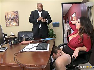 Alison Tyler gets her lush labia dicked in the office