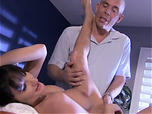 honey Alektra Blue crams her mouth with her lover's meaty penis until she chokes