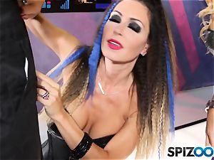 Jessica Jaymes and Cherie Deville are fortunate that this robot has a human chisel to fellate