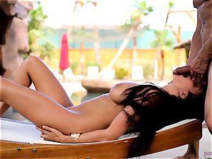 Anissa Kate de-robe her bikini to plumb poolside